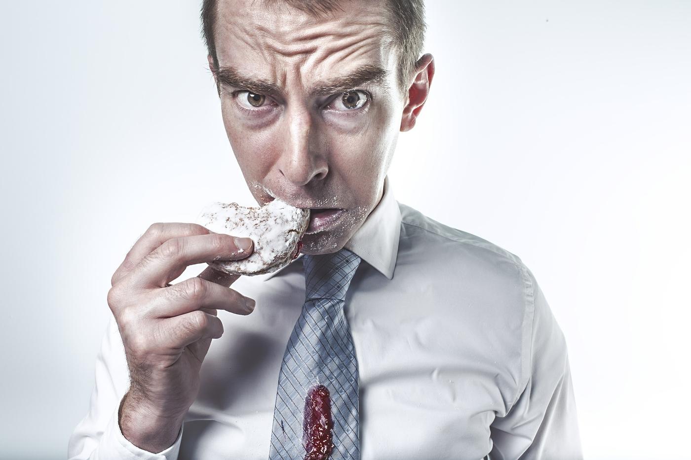 Missä kohtaa syömisestä tuli niin vaikeaa? 4 varmaa tapaa sotkea oma syöminen.