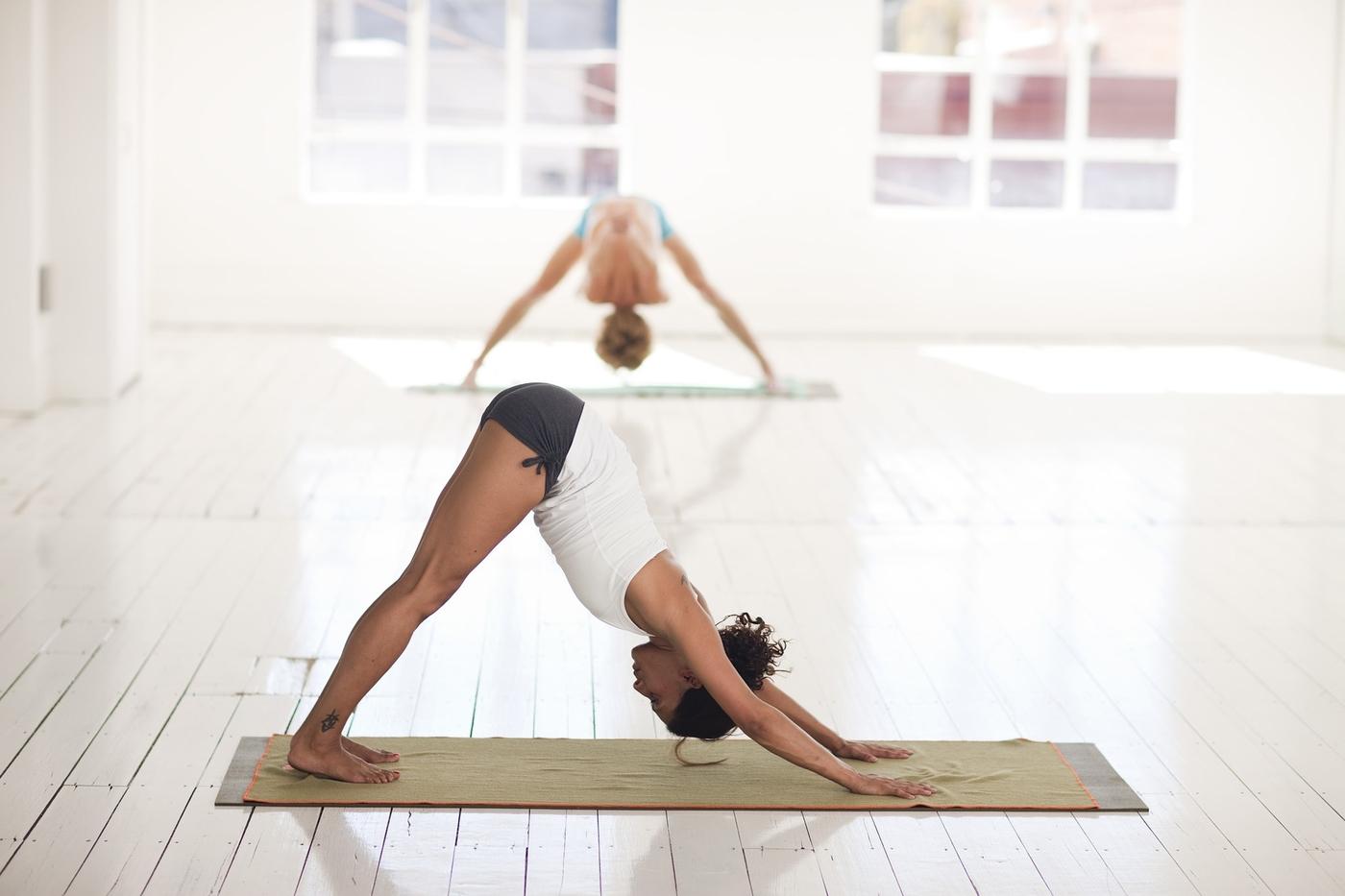 yoga-2959213_1920.jpg