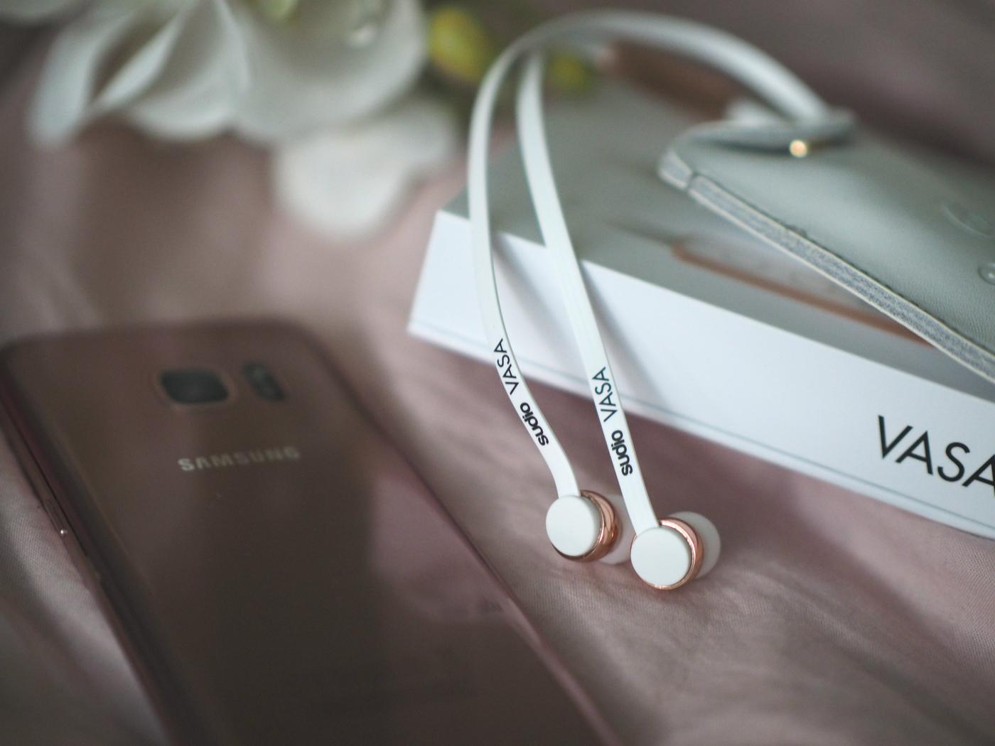 sudioheadphones.jpg