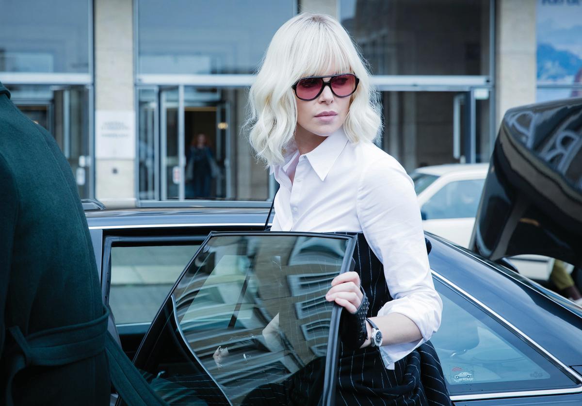 atomic-blonde-charlize-theron-pantsuit.jpg