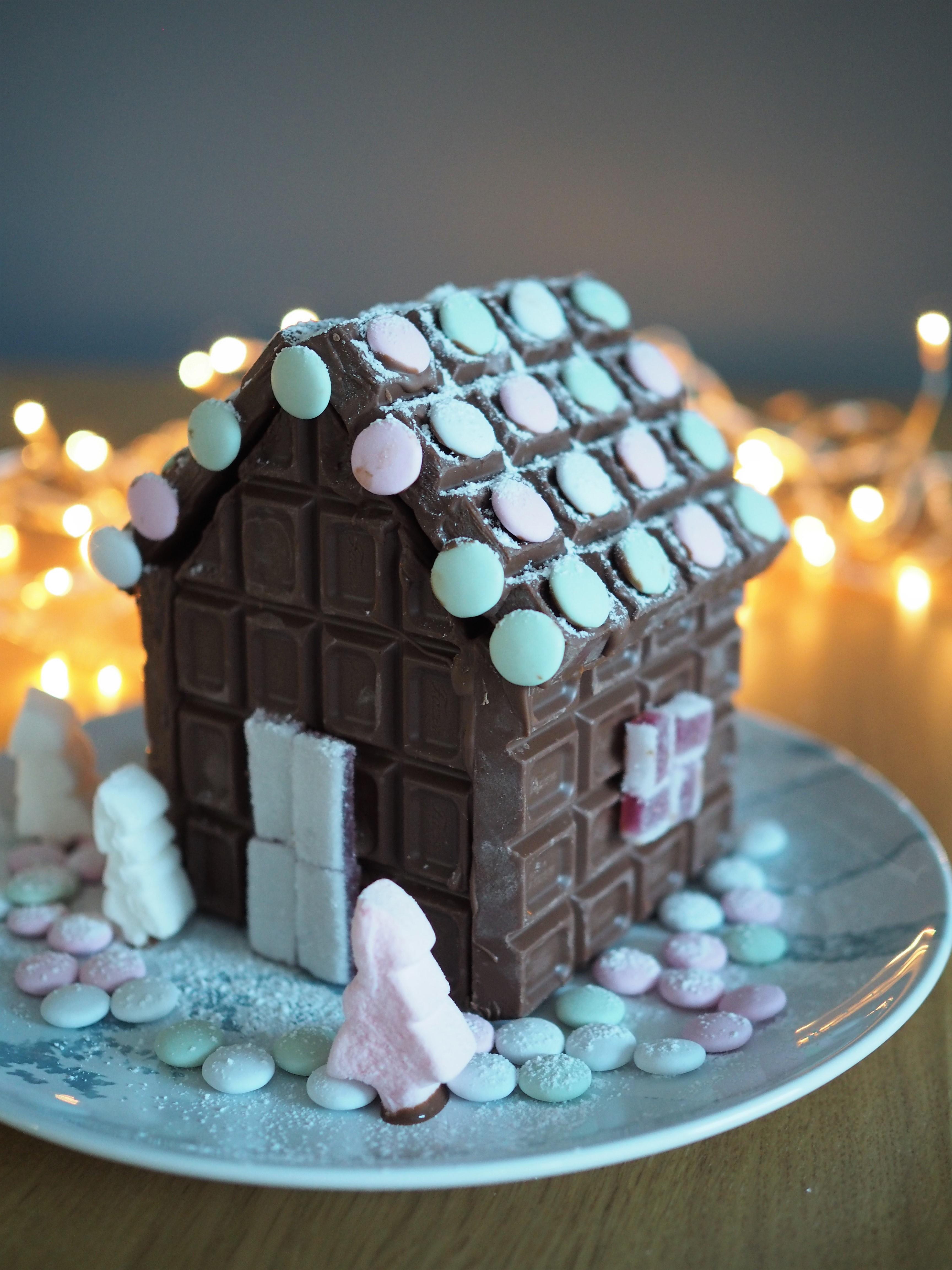 talo suklaalevyistä.jpg