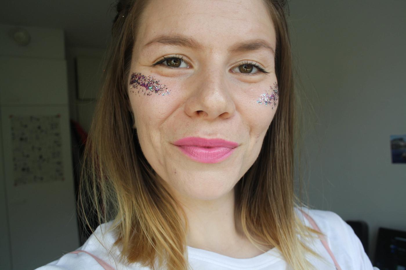 Aloittelijan glitter-meikki