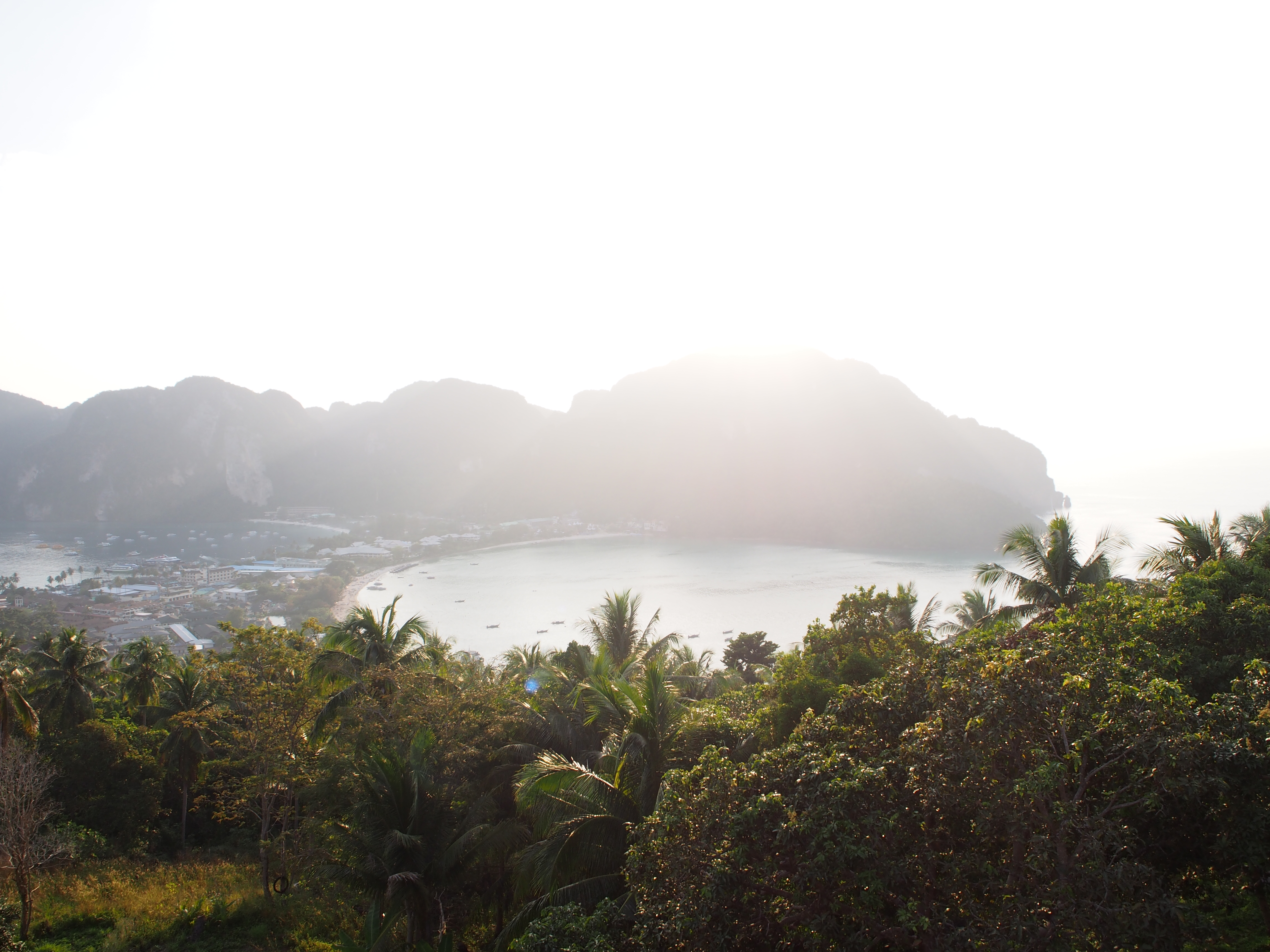 Thaimaa matkapäiväkirja osa 4: Ensirakkautta Phi Phi -saarilla