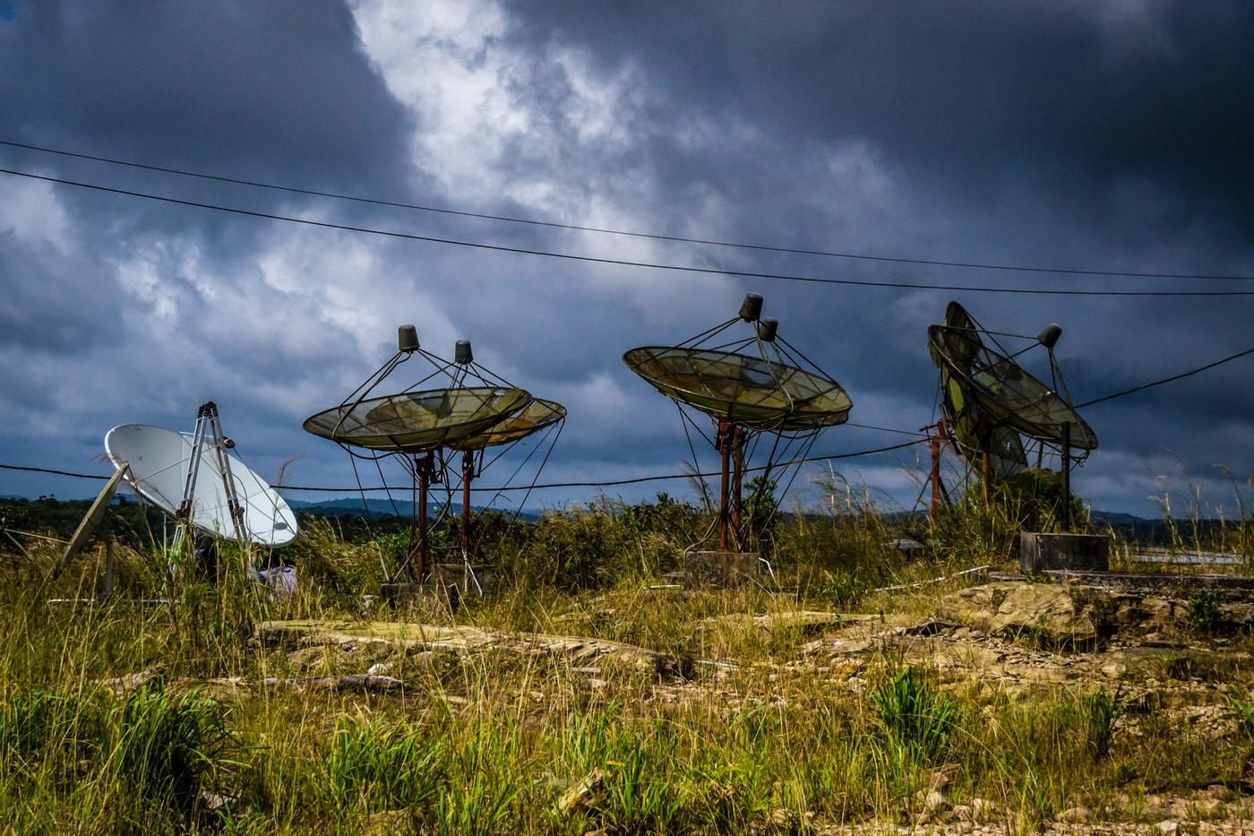 Bokor-abandoned-antennae.jpg