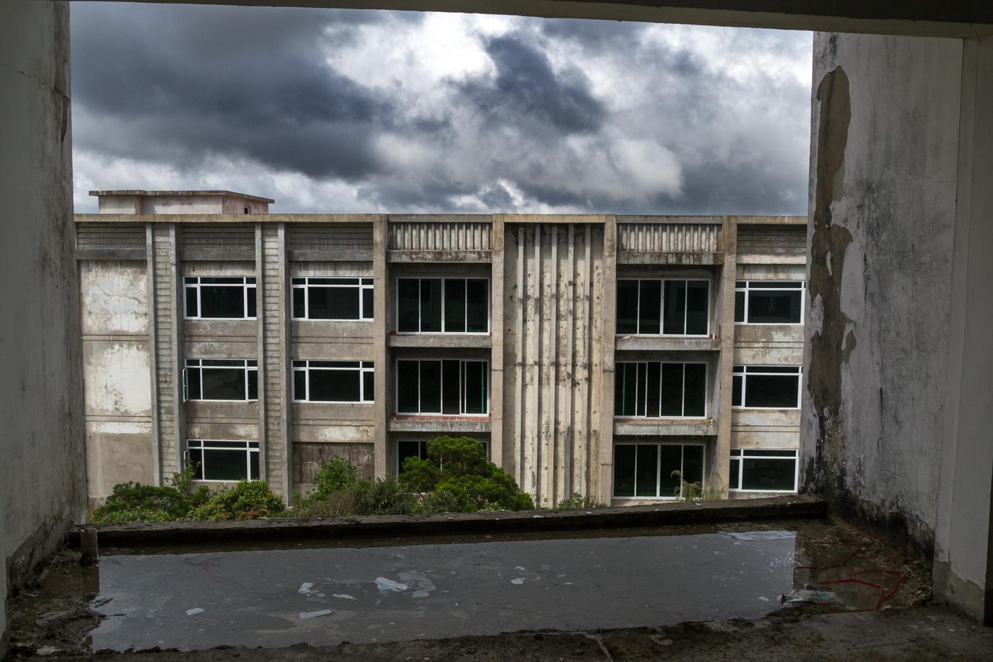 Bokor-abandoned-buildings-1.jpg