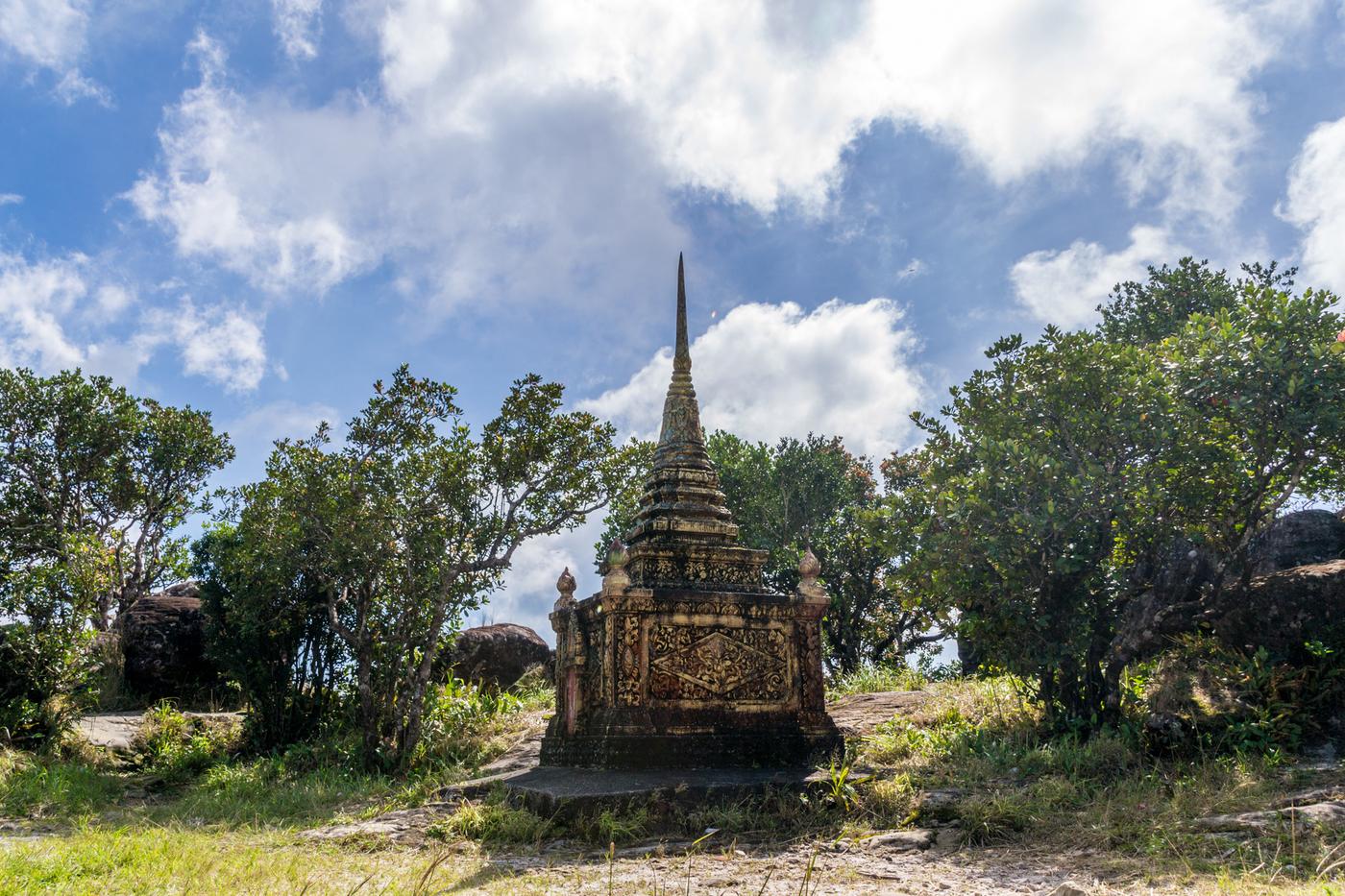 Bokor-buddhist-temple.jpg