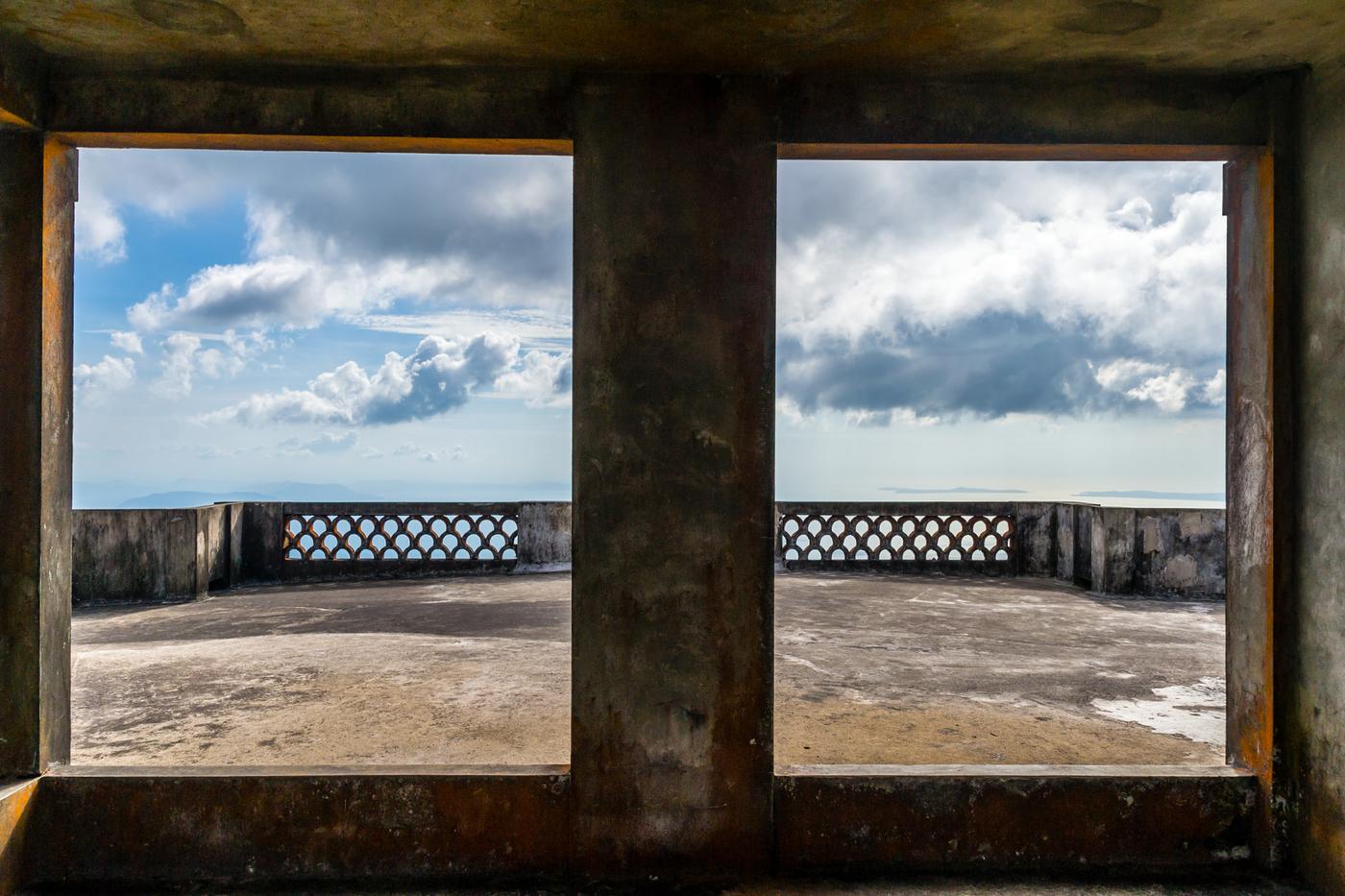 Bokor-palace-balcony-2.jpg