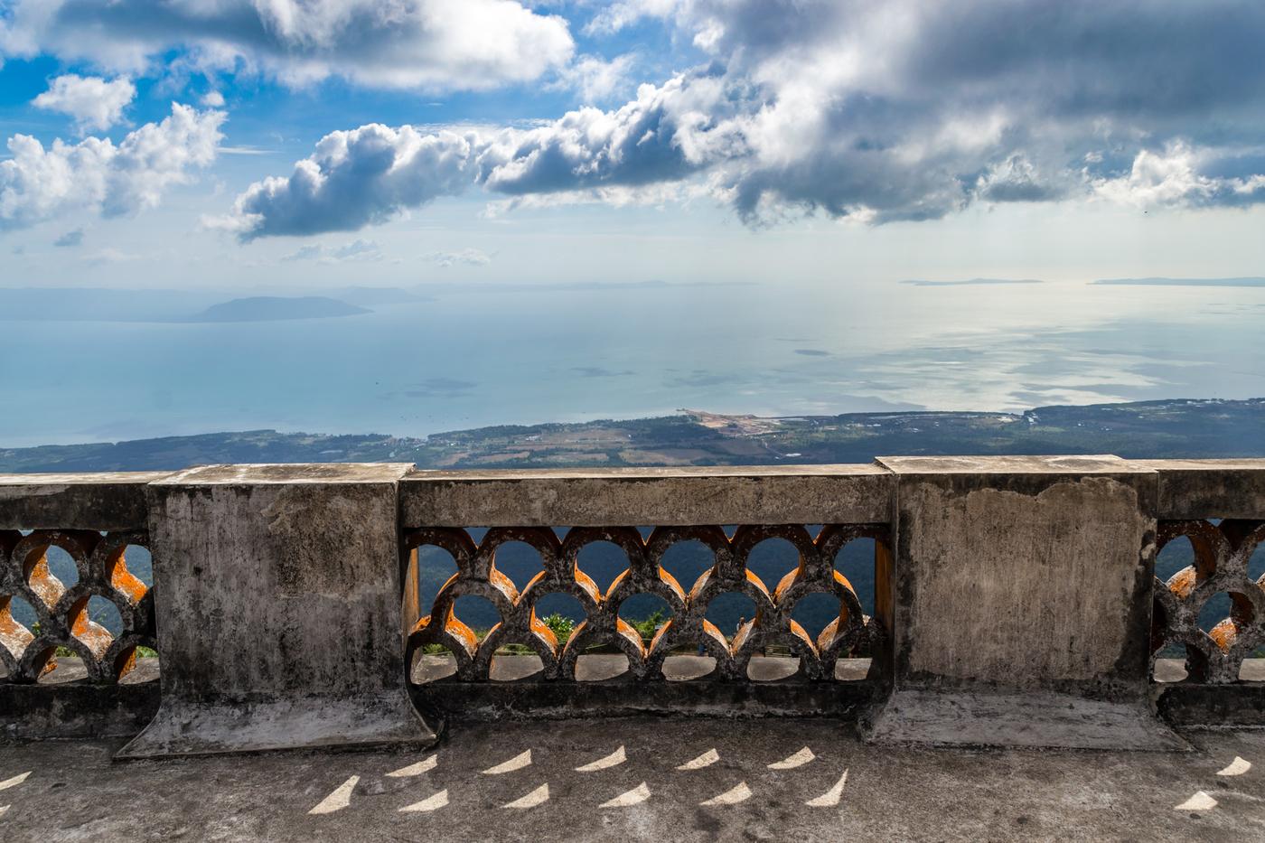 Bokor-palace-balcony.jpg