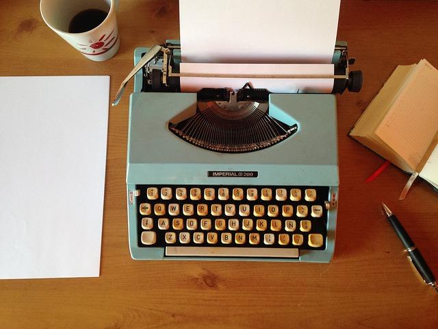 machine-writing-1035292_640.jpg