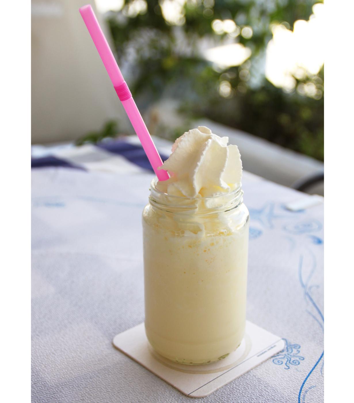 Täyteläinen, maidoton banaanishake