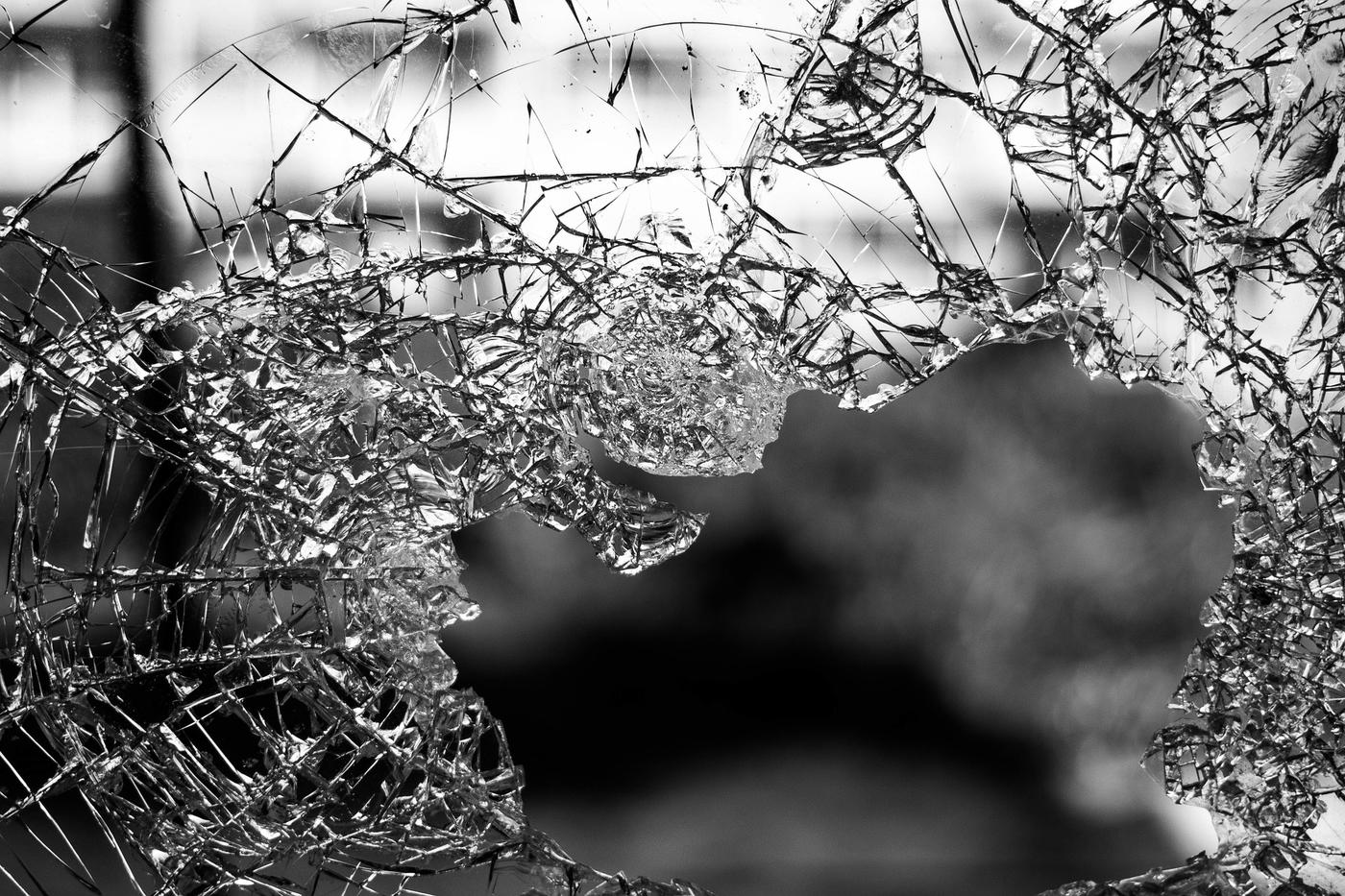 glass-984457_1920.jpg