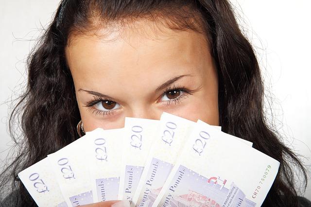 rahaa_kadessa.jpg
