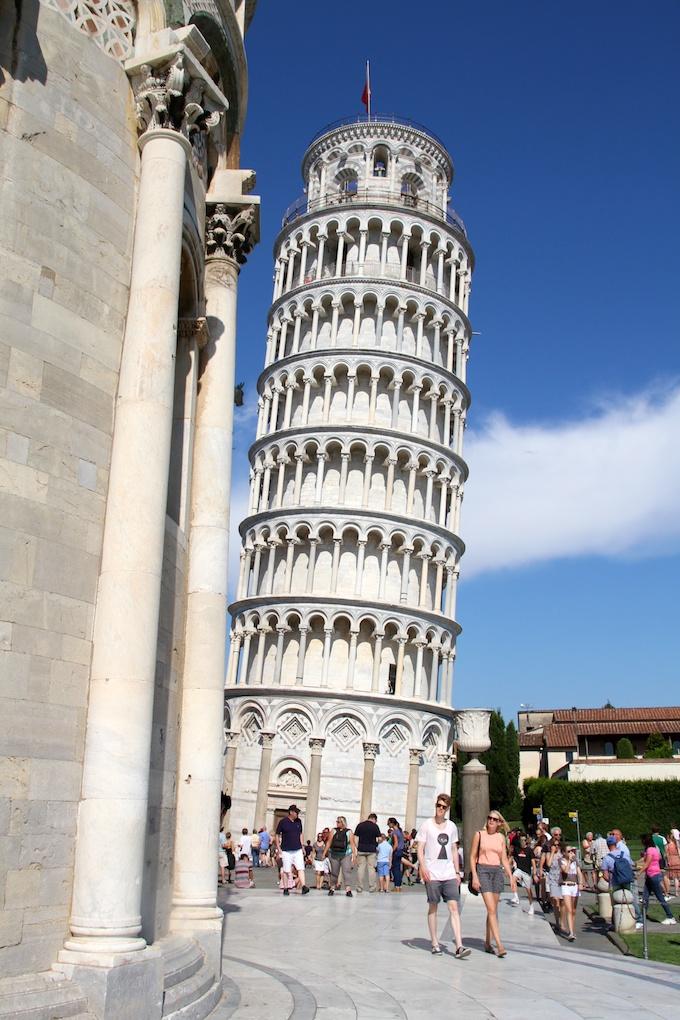 Päiväretki Pisaan ja Luccaan