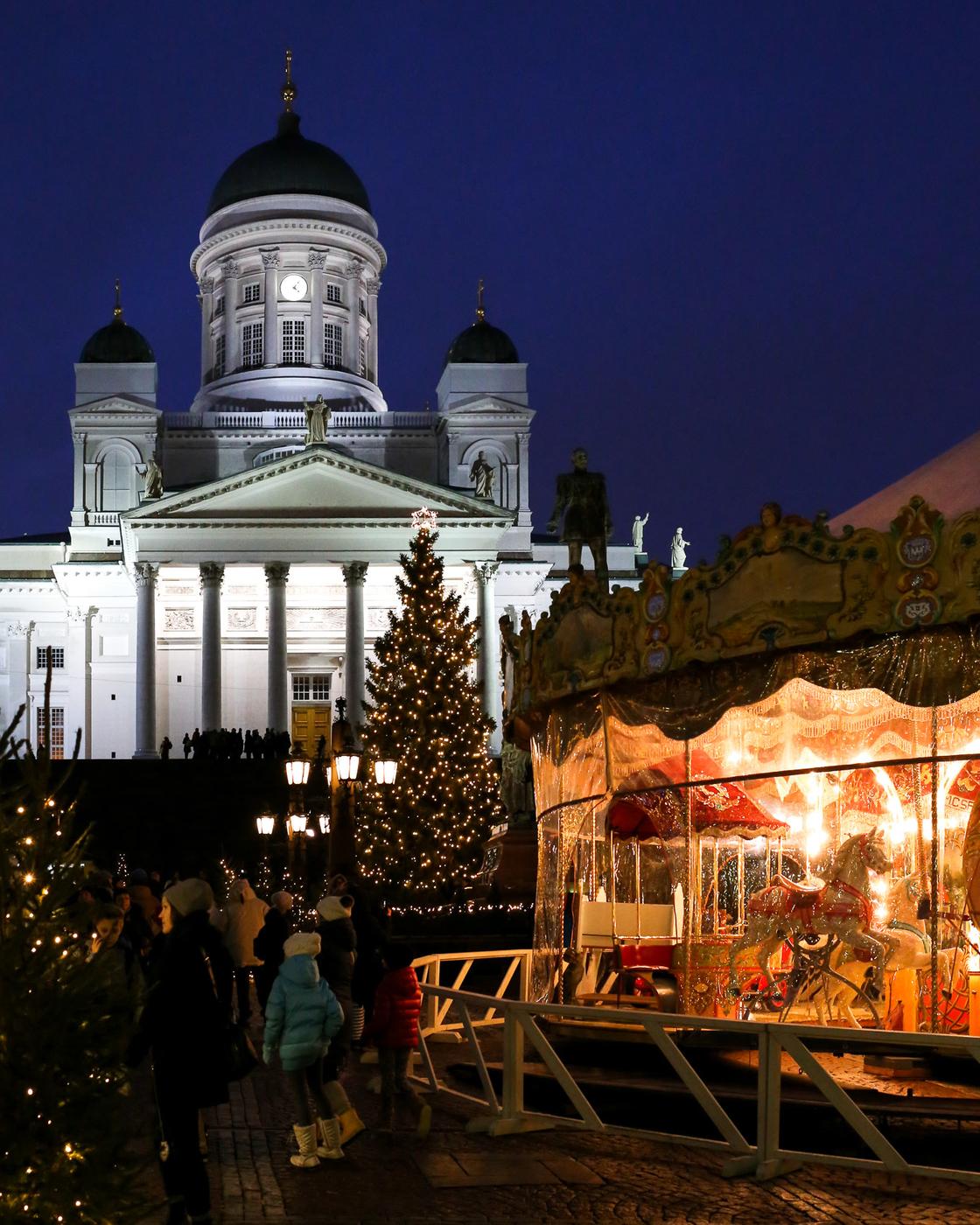 Jouluperinteistä ja Tuomaanmarkkinoista