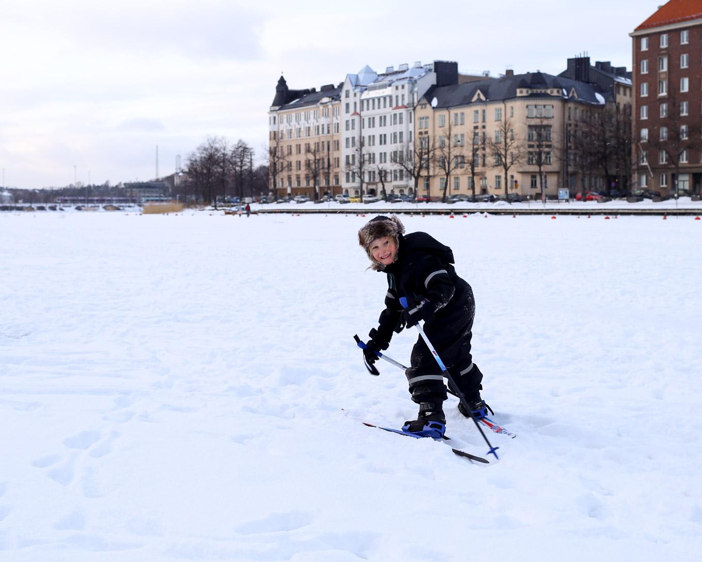 Hiihtämässä Helsingissä - 02.jpg