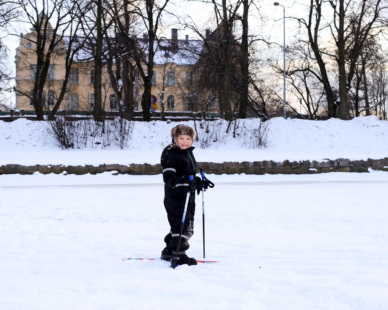 Hiihtämässä Helsingissä - 03.jpg