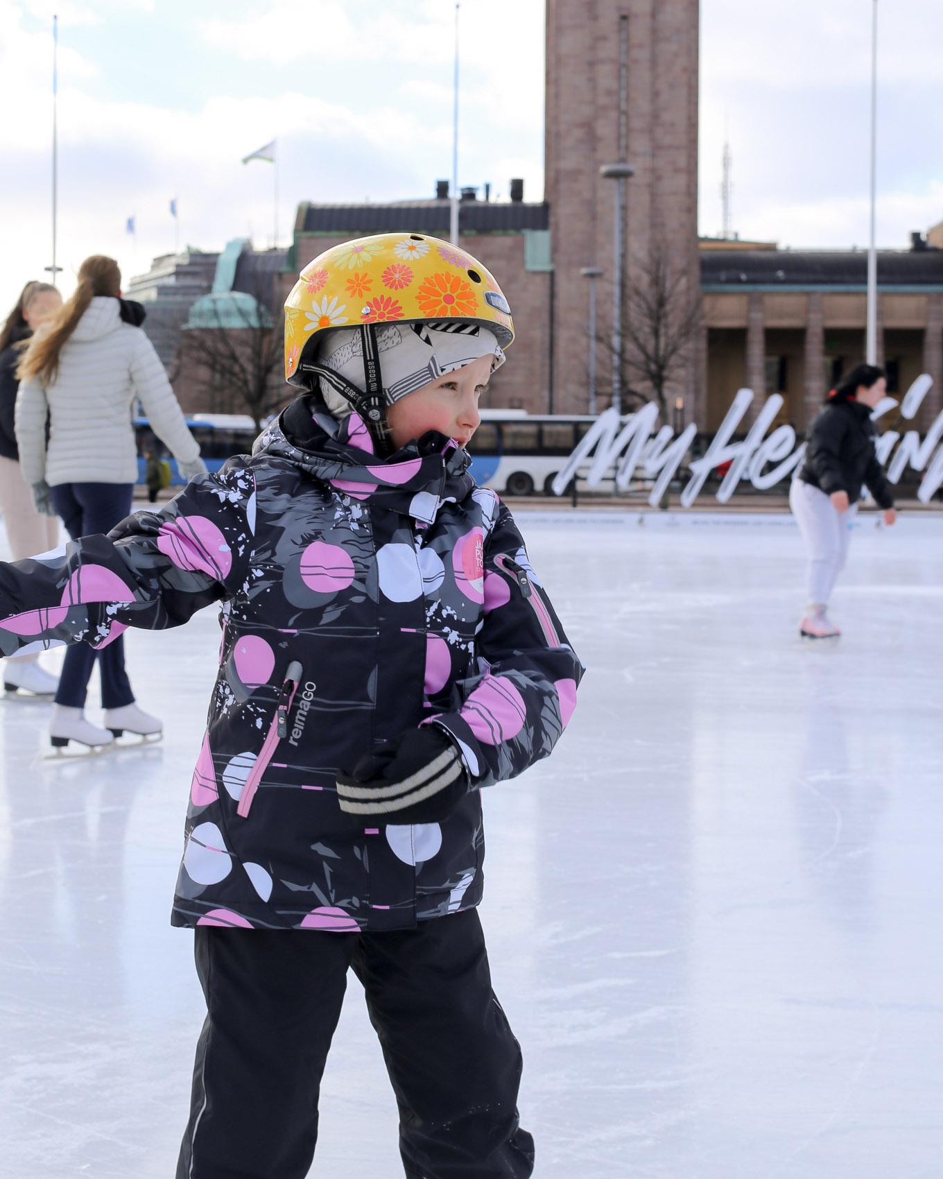 Jääpuisto Helsinki Rautatientori - 05.jpg