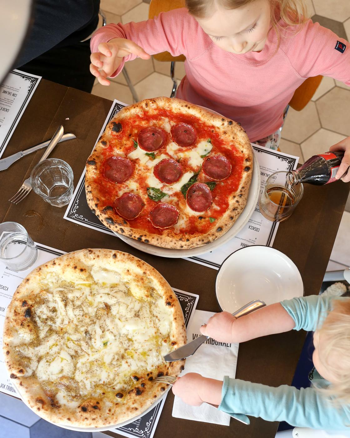 Lounas kaupungilla: Pizzeria Via Tribunali