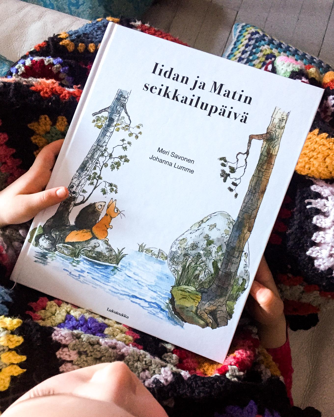 Suloista luettavaa lapsille: Iidan ja Matin seikkailupäivä