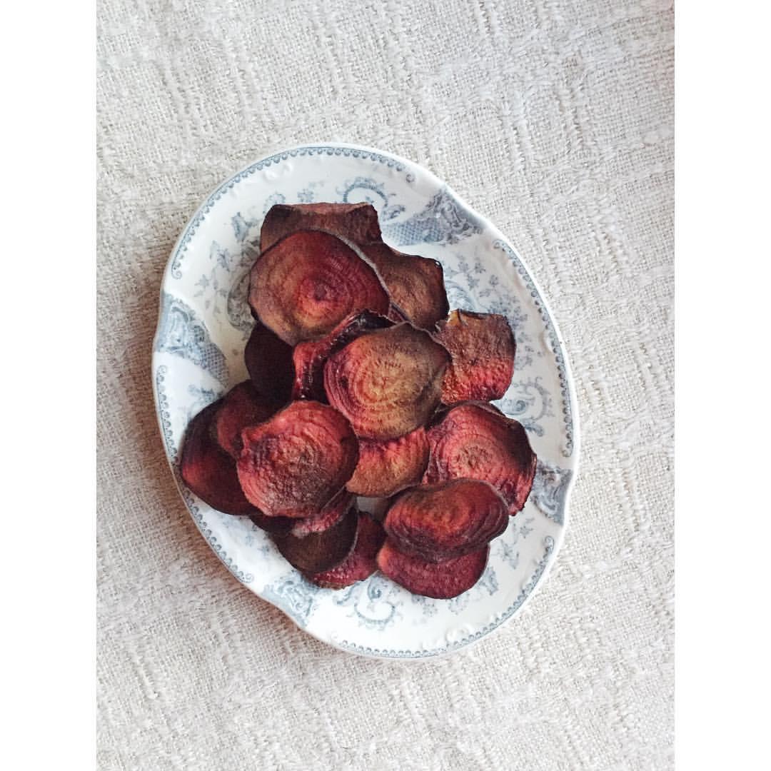 Gastronaatti - Arkiruokaa - Punajuurisipsit.JPG