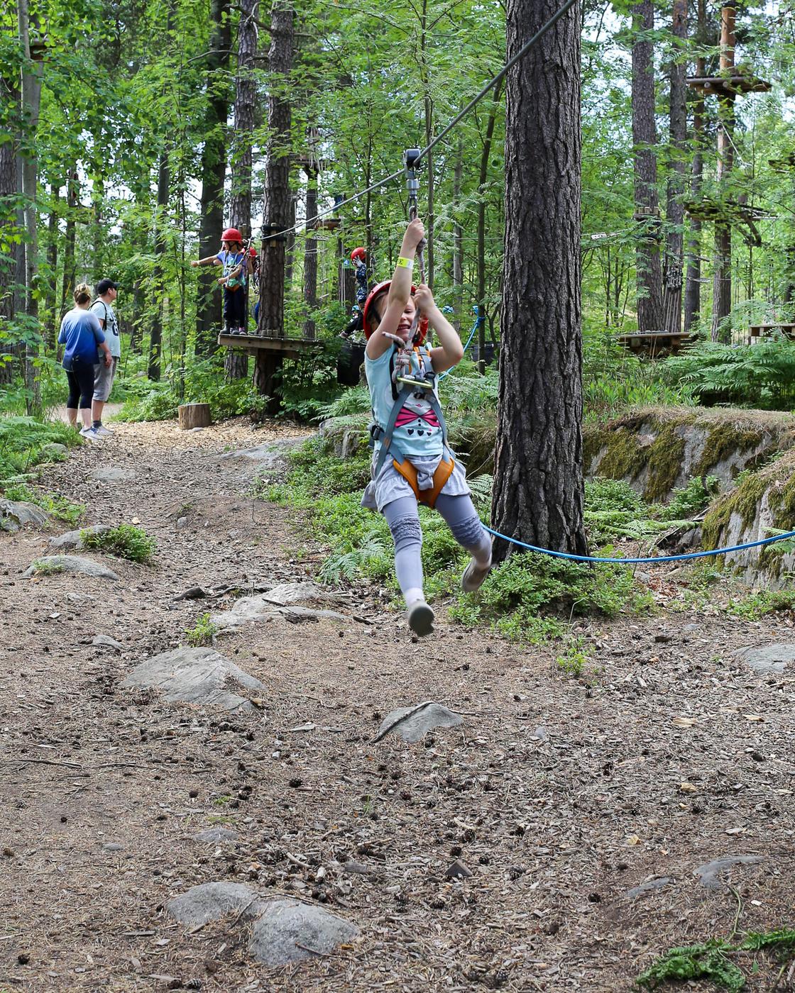 Seikkailupuisto Korkee Mustikkamaa-4.jpg