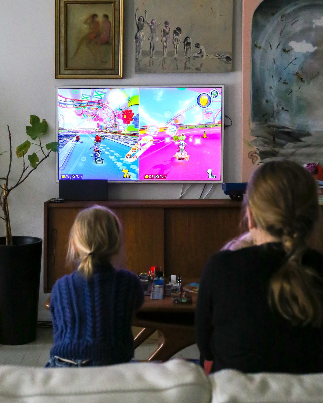 Nintendo Switch-5.jpg