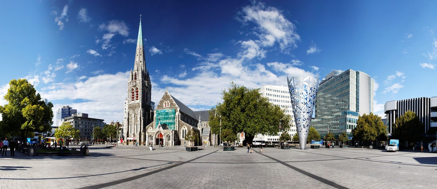 Flickr_-_Roger_T_Wong_-_20100130-07-Christchurch_Cathedral_Square_panorama.jpg