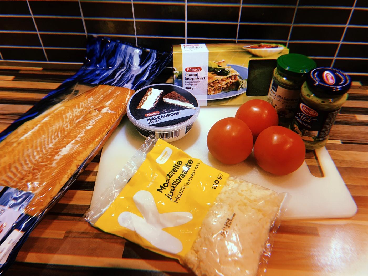 Lohi-tomaattilasagne