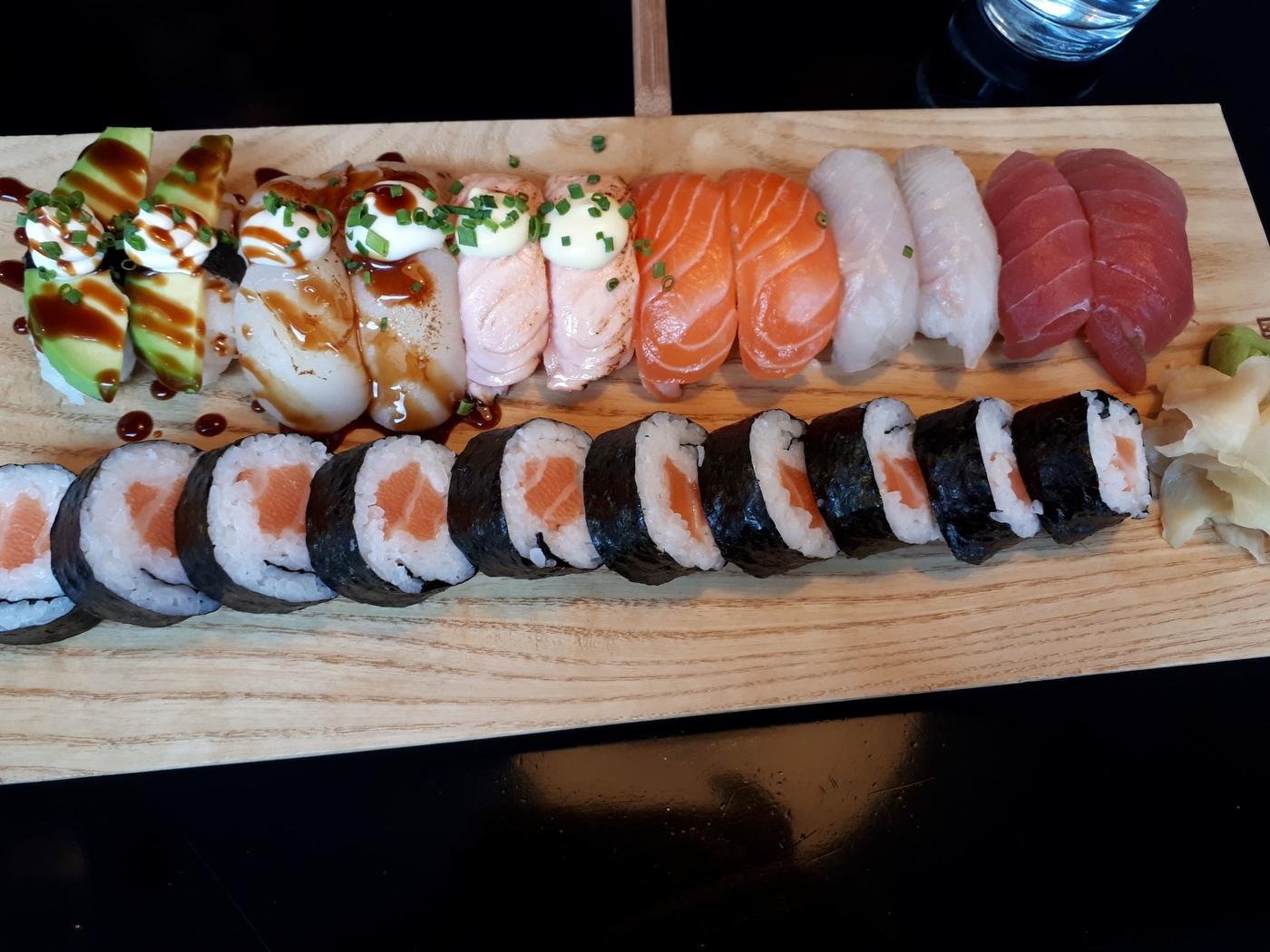 sushiwine2p.jpg