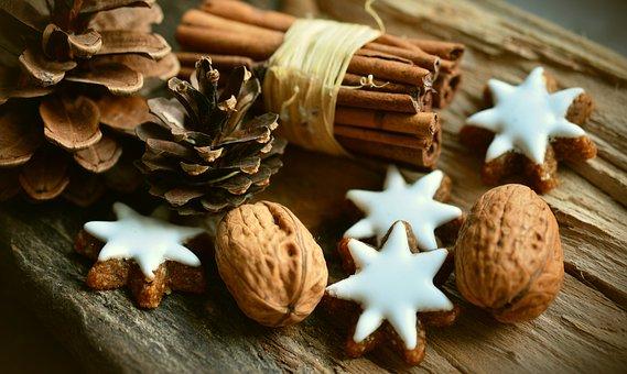 cinnamon-stars-2991174__340.jpg