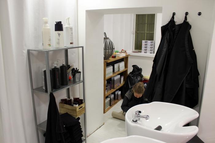 Erään sivuhuoneen remontti + ekokosmetologi haussa
