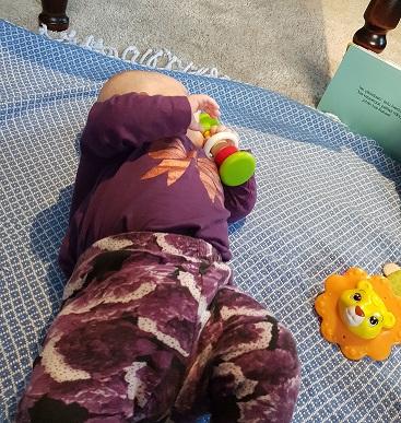 elkku lelun kanssa postaukseen.jpg