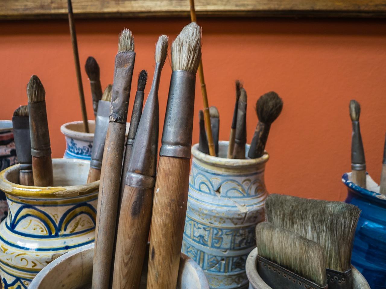 brushes-387545_1280.jpg