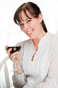 1382049_red_wine.jpg