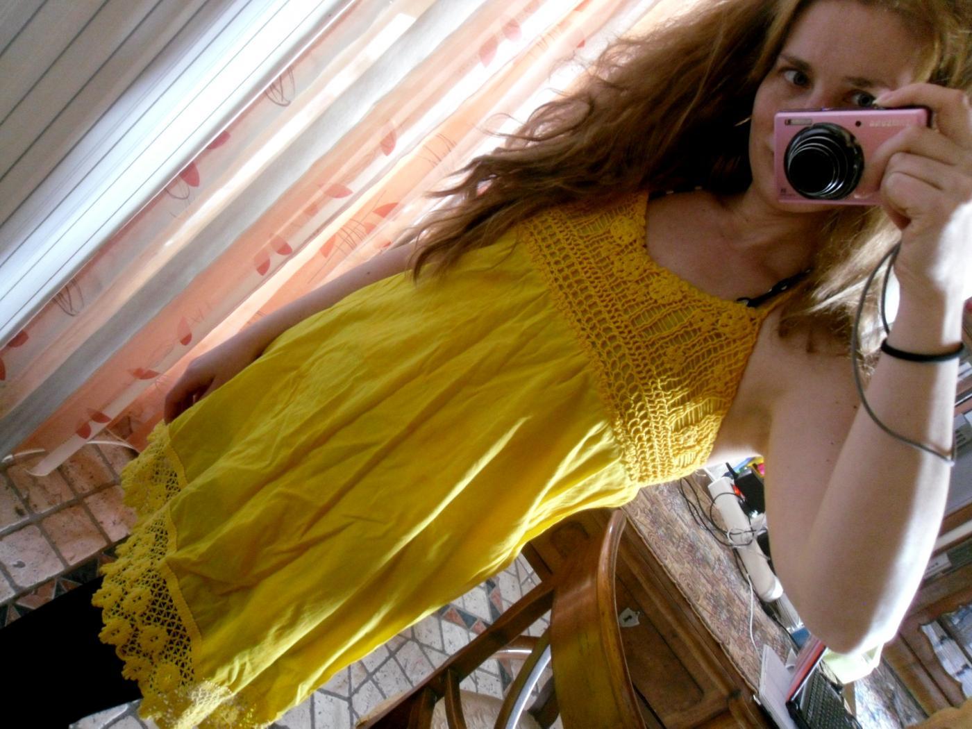 keltainen_mekko.jpg
