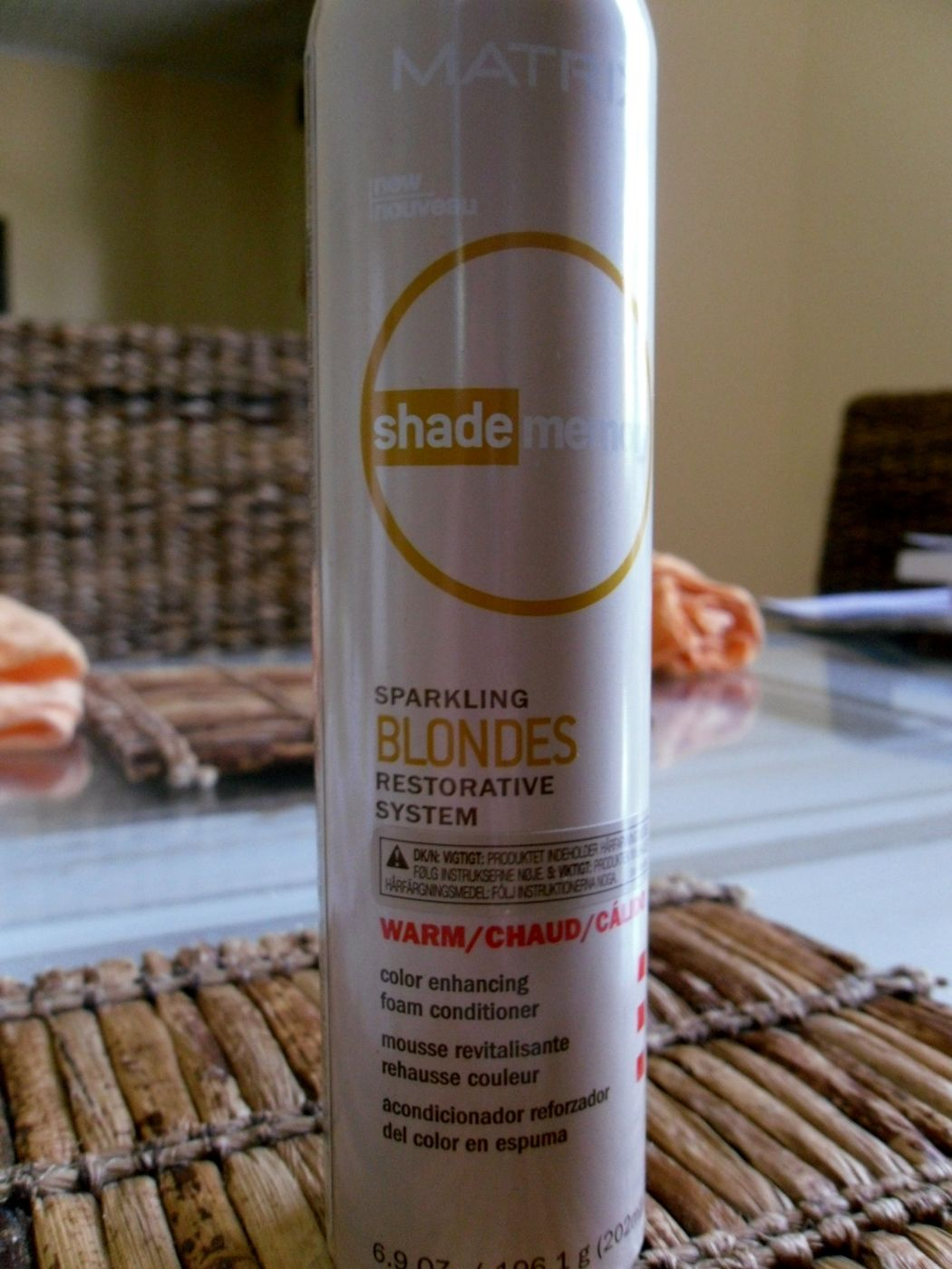 Astetta blondimpi