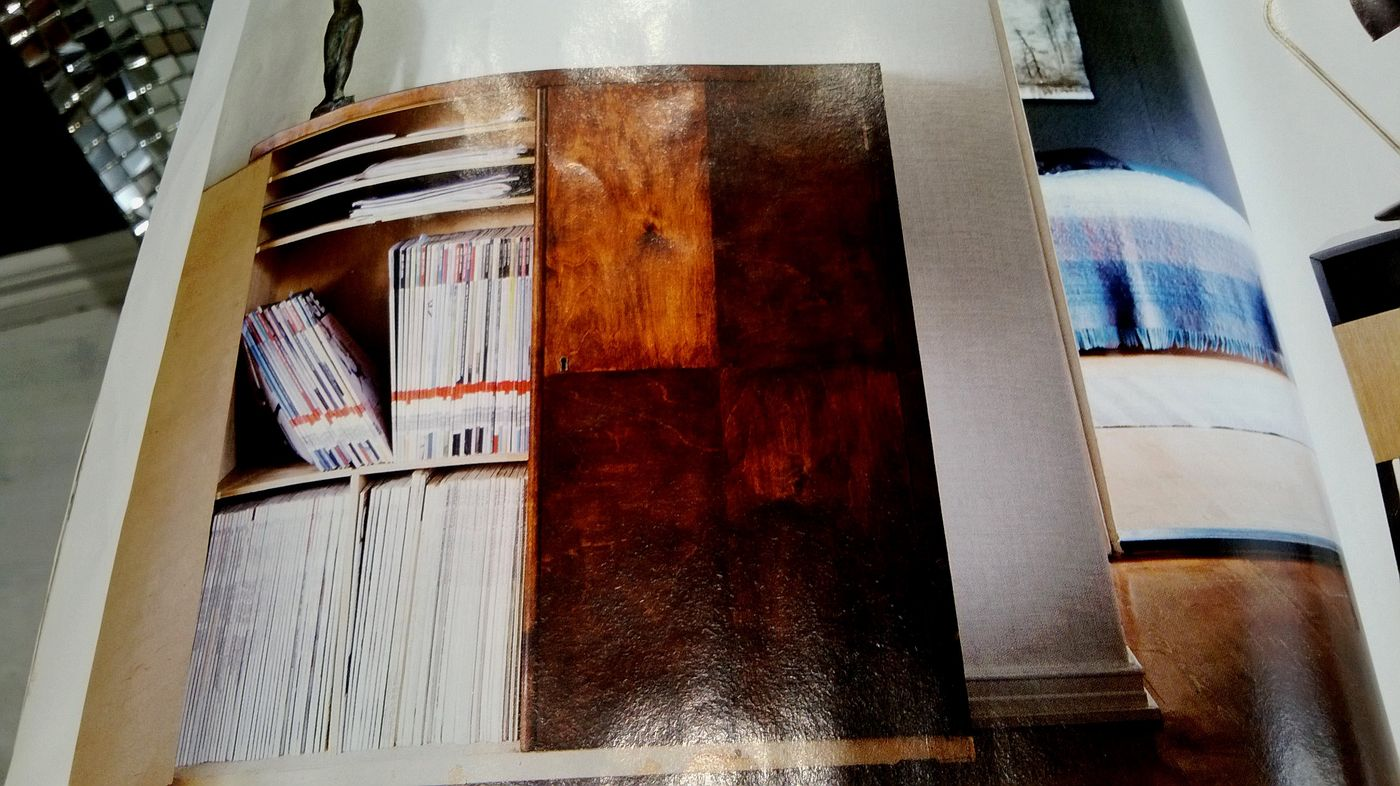 iso puinen kaappi deko.jpg
