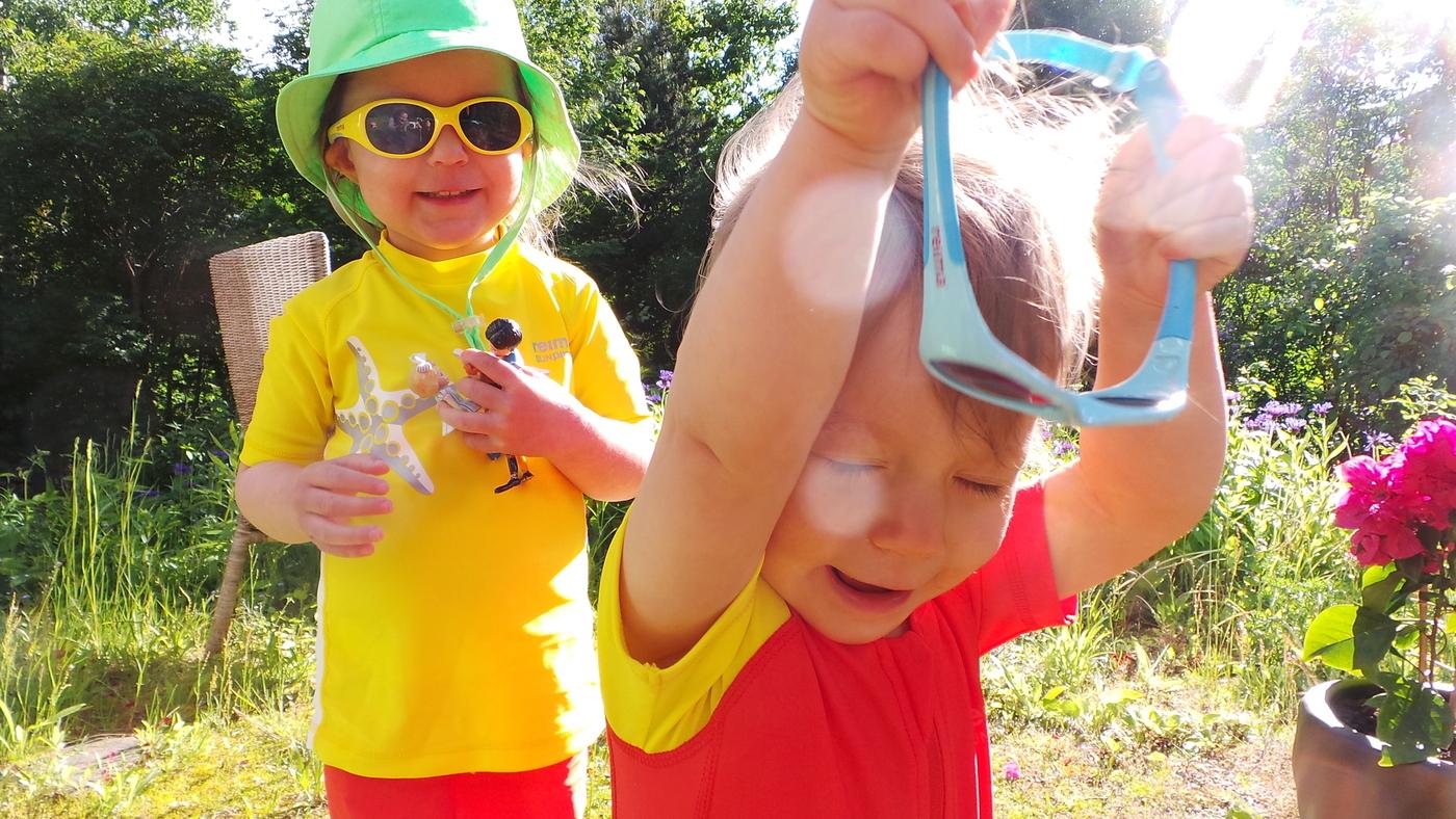 aurinkolasit lapselle.JPG