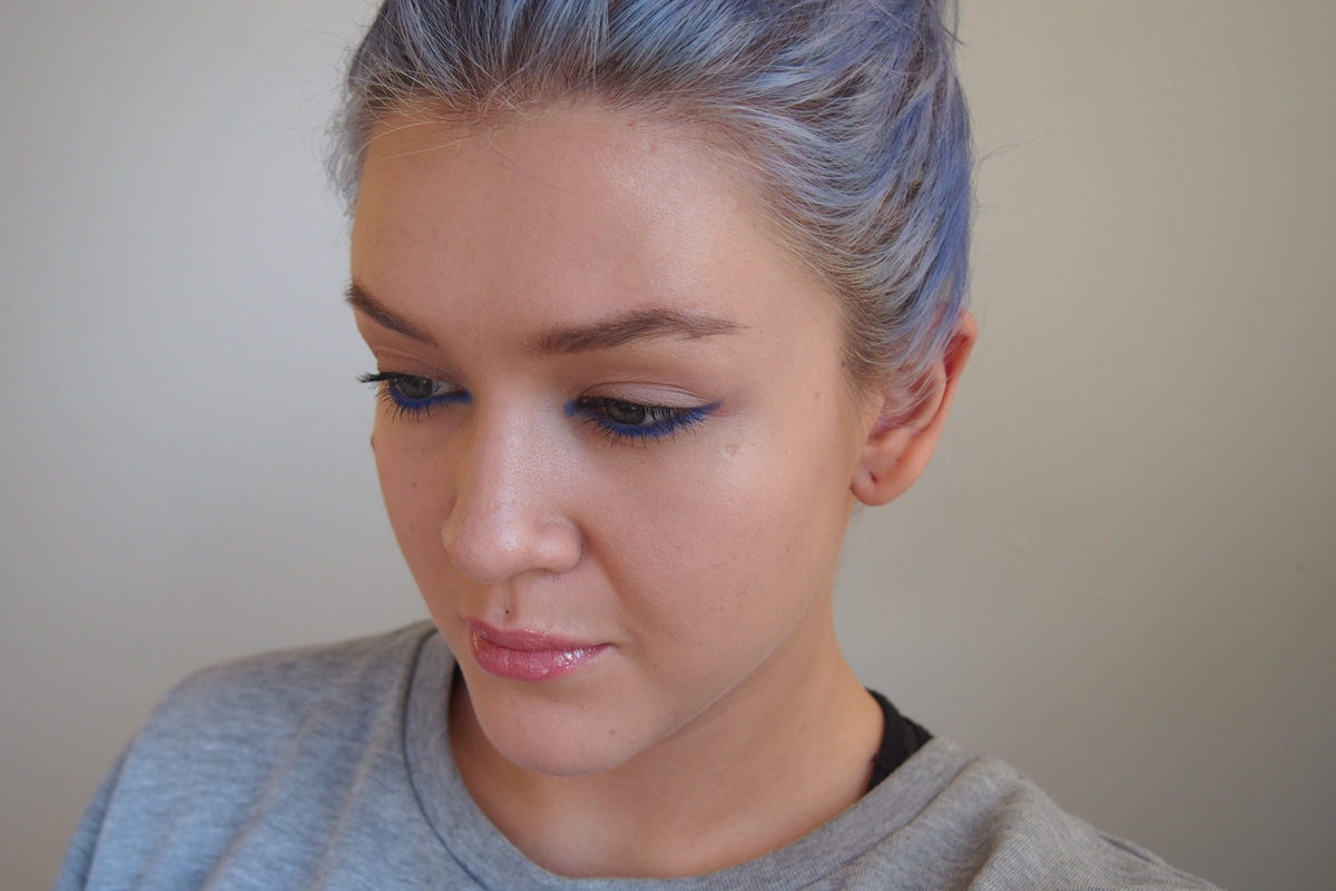 Arvonta & Tutorial: Electric Blue eyes by Rimmel