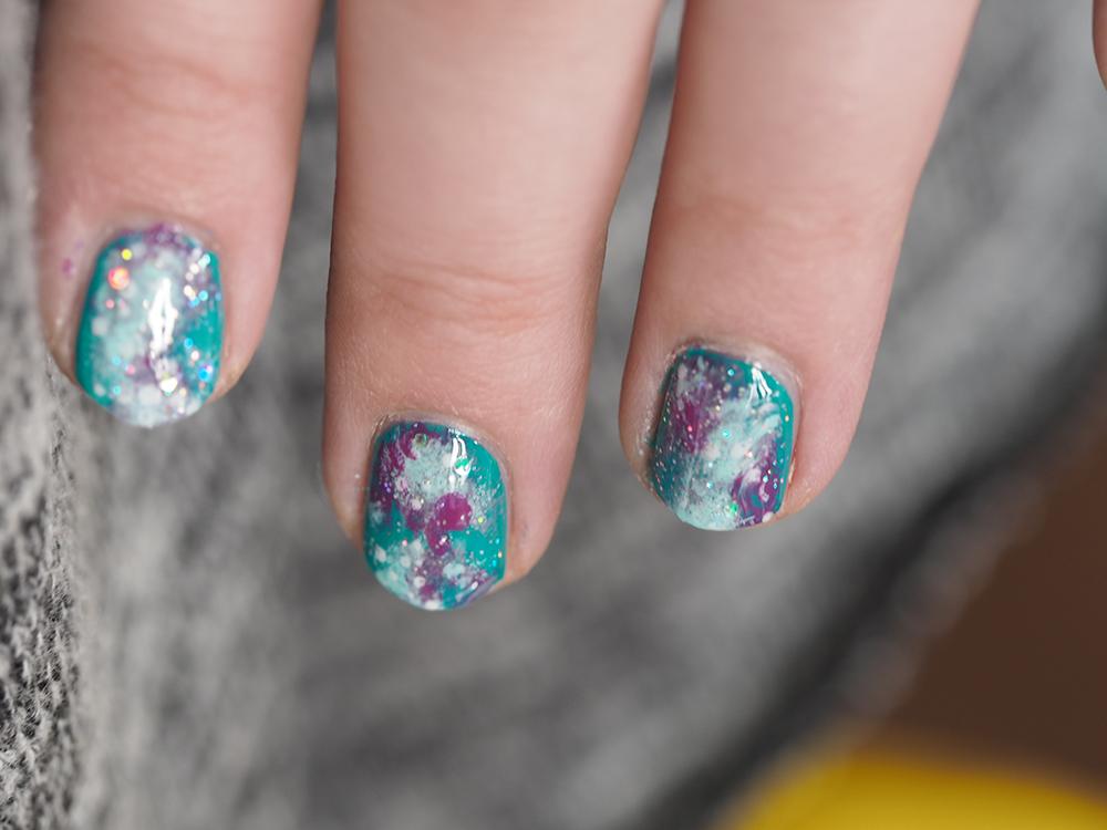 Tutorial: Pastelligalaksi kynsilläni!