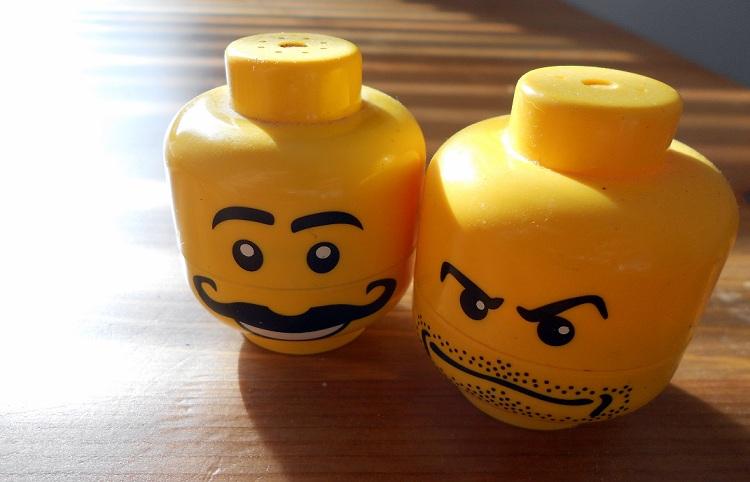 Kaikki Legot paikallaan