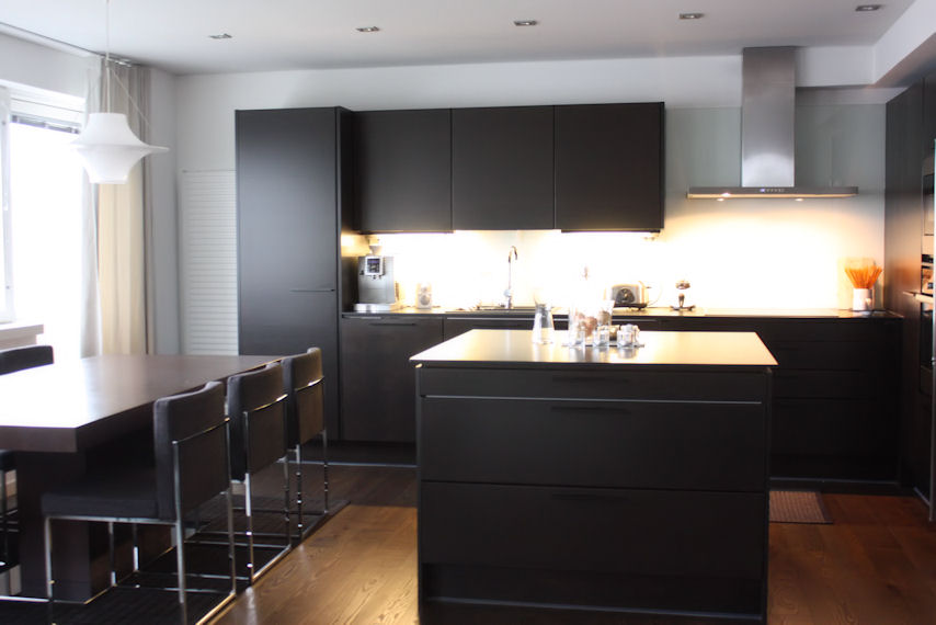 in the kitchen4.jpg