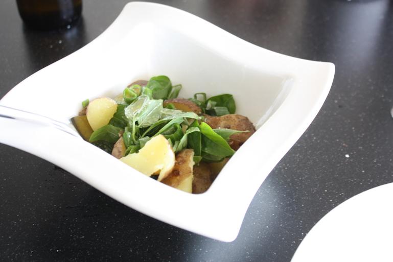 vihreä perunasalaatti2.png
