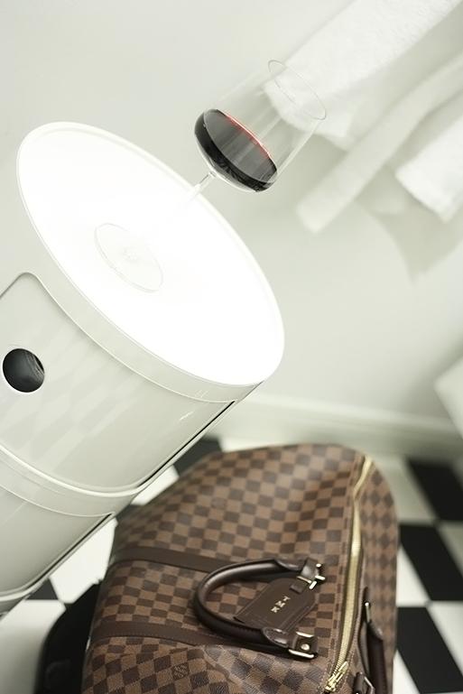Louis Vuitton weekender4.png