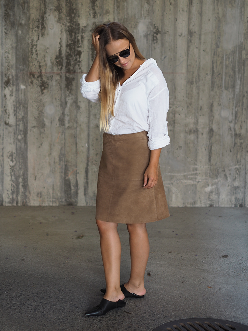 Suede-skirt3.png