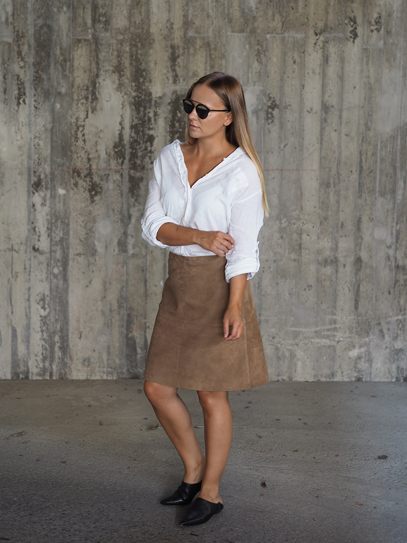 Suede-skirt5.png