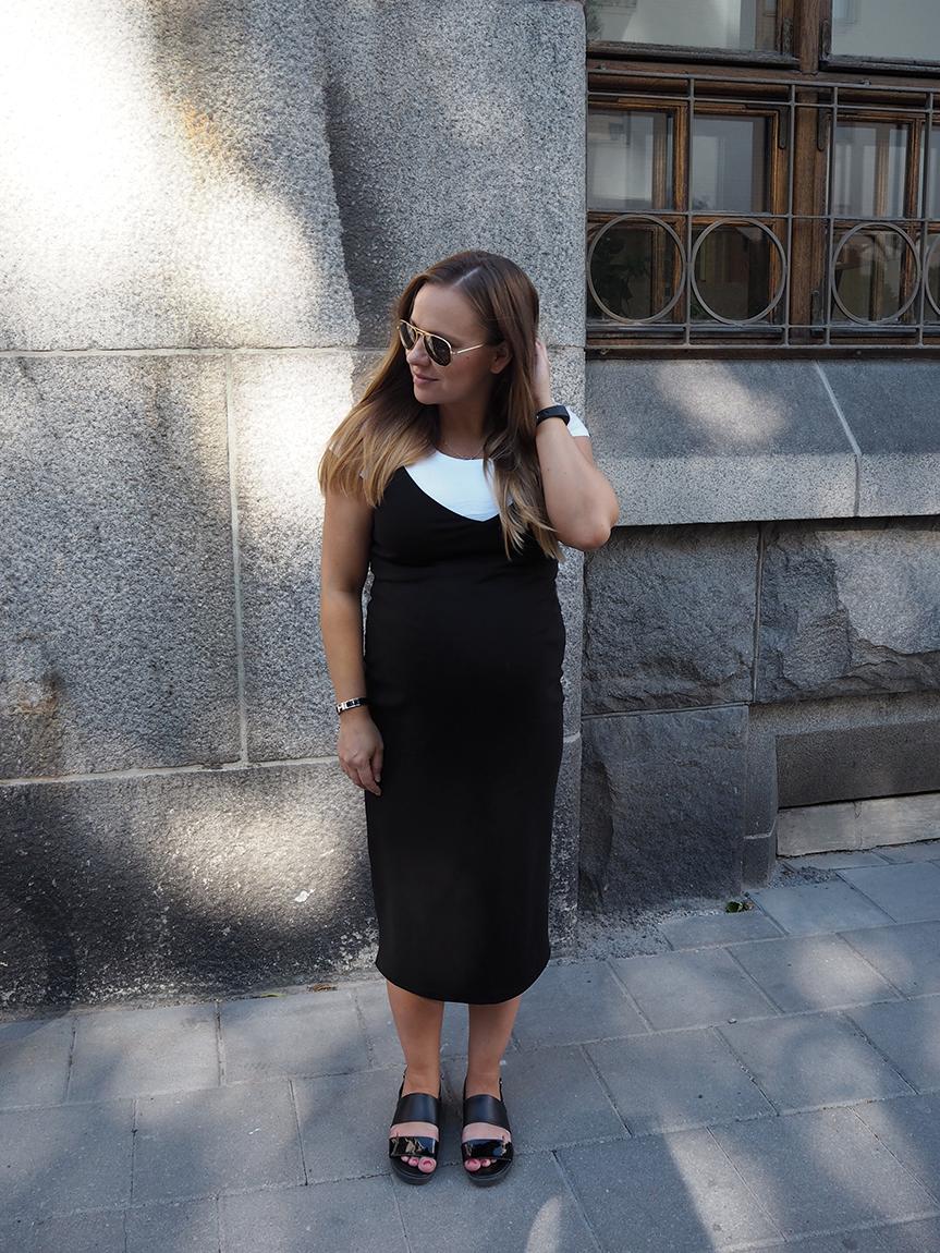 strap-dress2.png