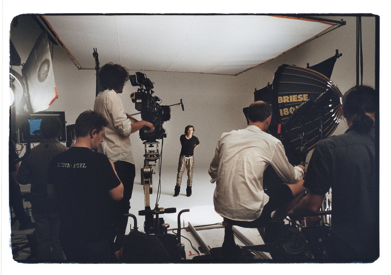 Voita avec-kutsu tutustumaan Isabel Marant for H&M-mallistoon  ja 100€:n lahjakortti!