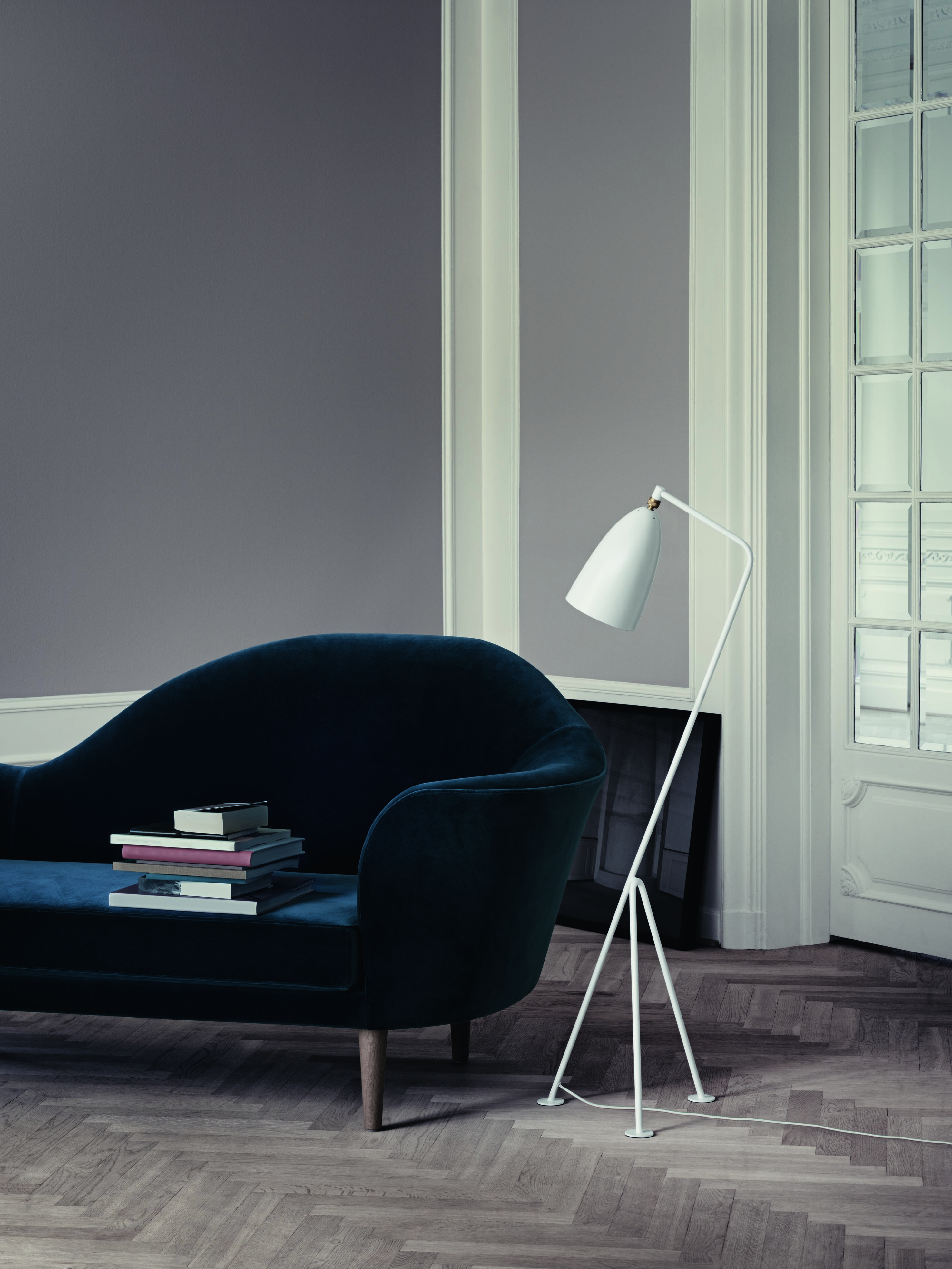 Gräshoppa Floor Lamp_Matt -White_Grand Piano Sofa.jpg