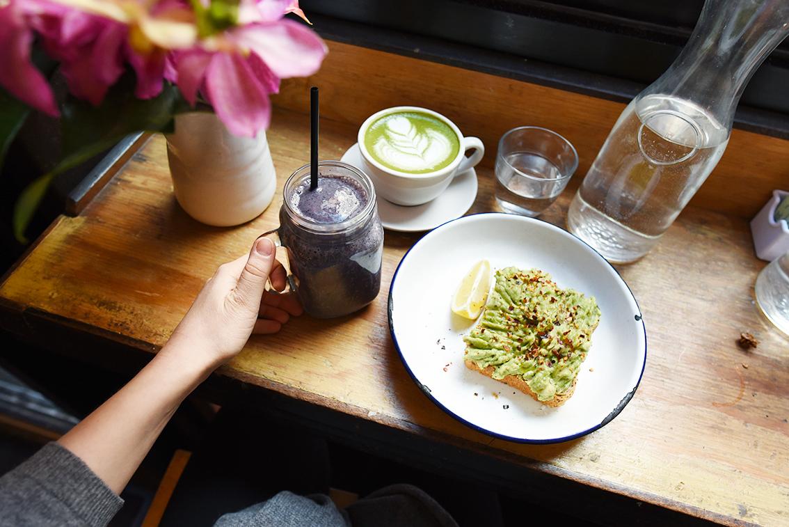 twohands_newyork_breakfast_1.jpg